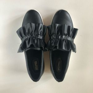 Michael Kors pre-loved leather top black shoes!